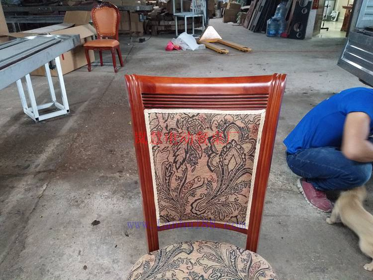 实木餐桌餐椅报价