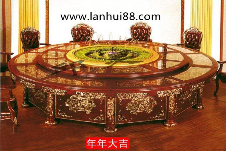 造型典雅雕花精致的电动餐桌